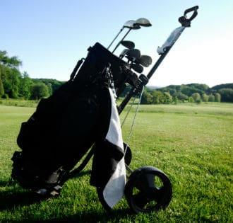 budget towel golfer